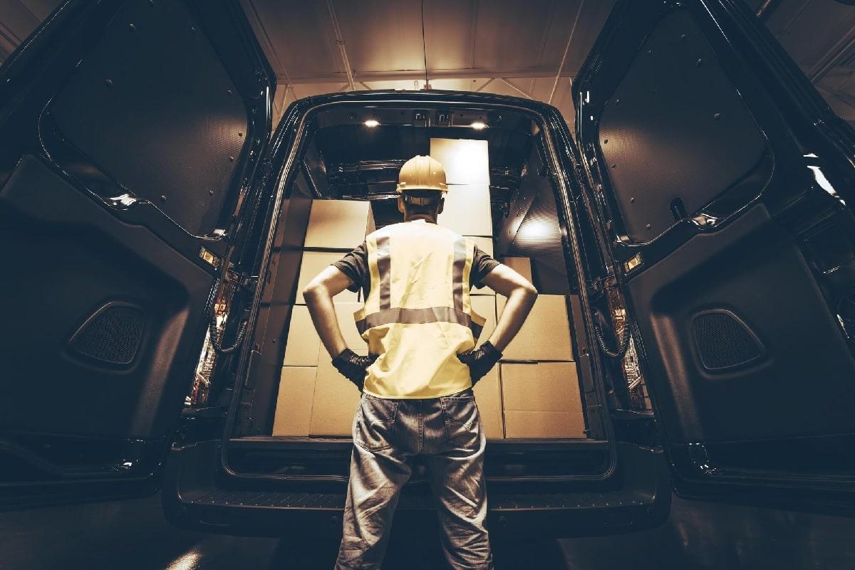 Como a logística de distribuição ajuda a expandir a marca?